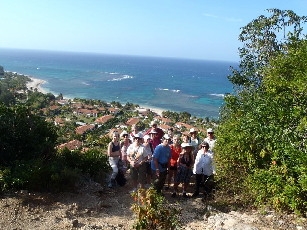 Pop and folk singing Tour of Cuba
