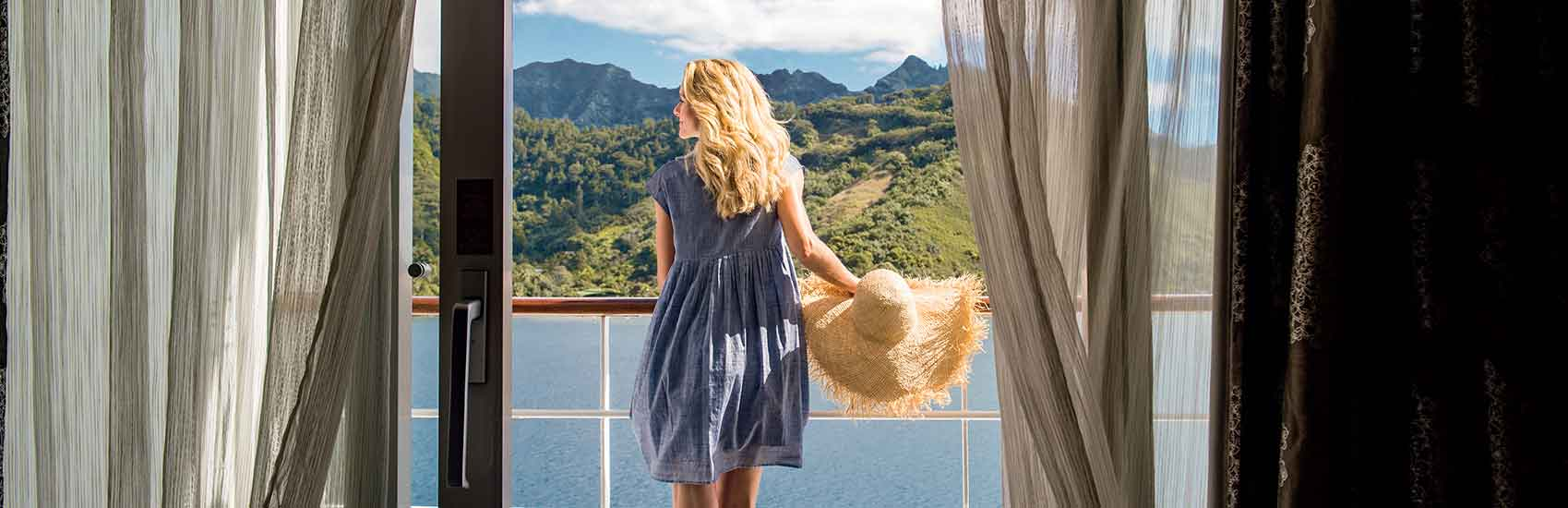 Dream in Blue with Paul Gauguin Cruises 3